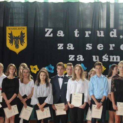 Zakończenie roku w klasach ósmych i trzecich gimnazium (13)zm